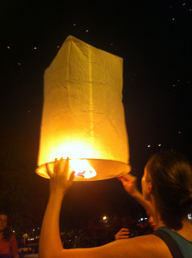 yi peng festival chiang mai