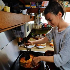 How to Cook Great Meals in Hostel Kitchens
