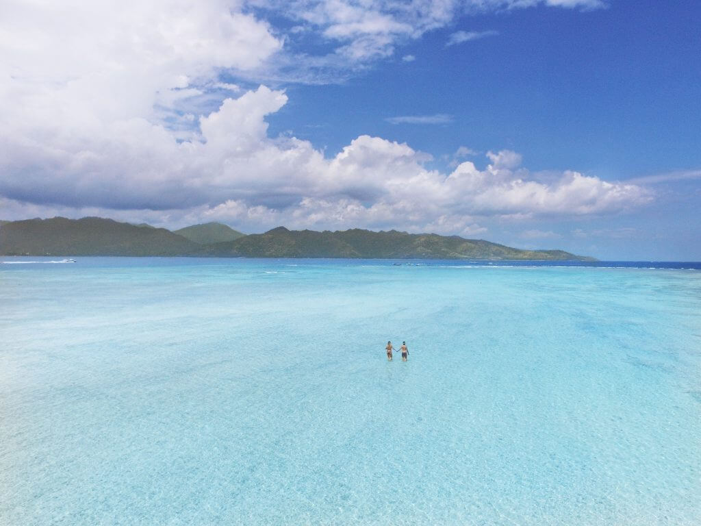 Gili T island sea