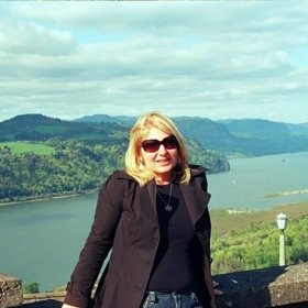 Meet Julie, a 'Not so Young Woman Abroad'