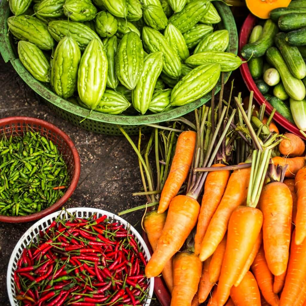 Veggies How to Eat Healthy While Traveling