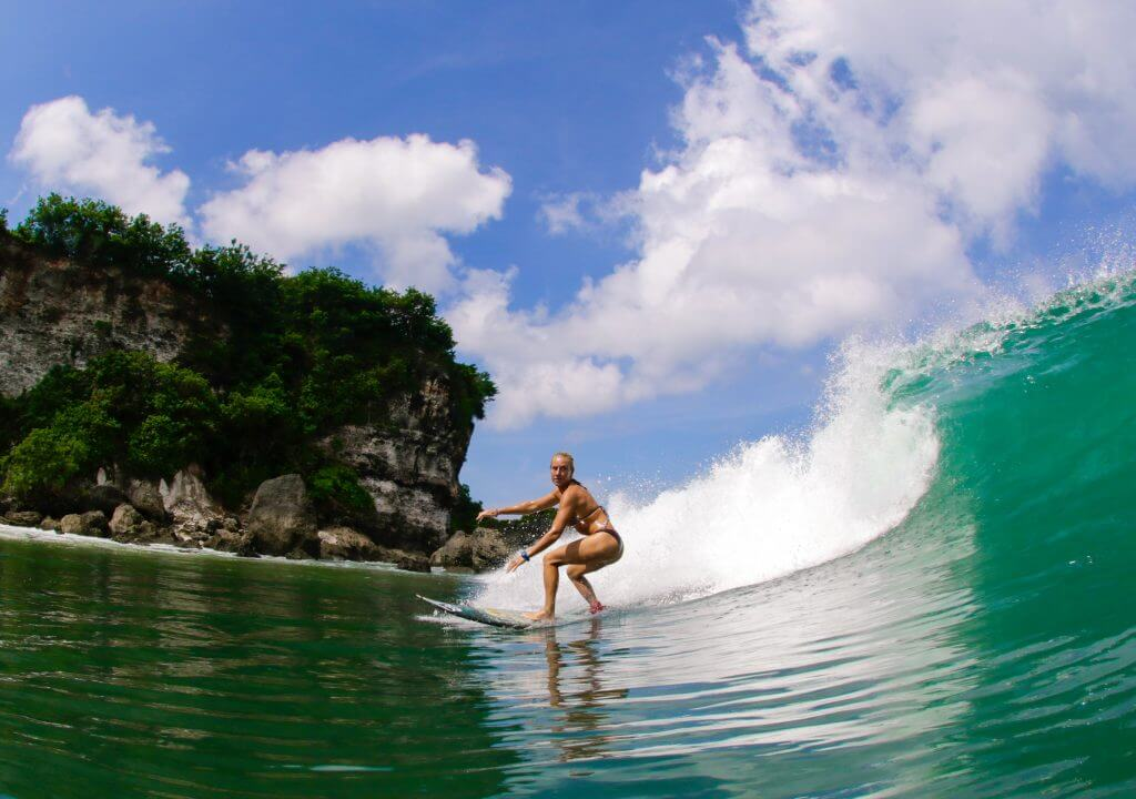 Learn to Surf Bali - Indonesia - Lapoint Beginner Surf Camp