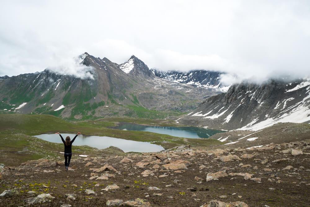 kyrgyzstan mountains trekking