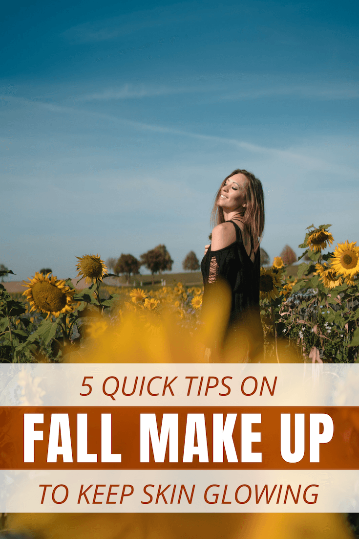 All my fellow solo female travelers, here are 5 quick and easy tips on fall make up that will keep your skin glowing, without overpacking your suitcase for your fall holidays! #FallMakeUp