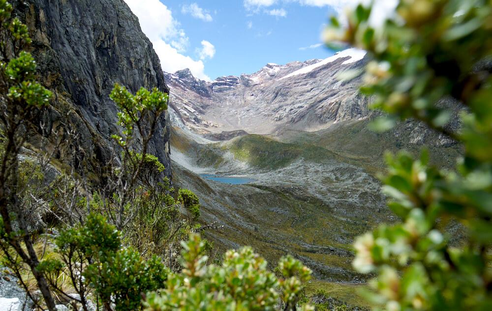 hiking laguna 69