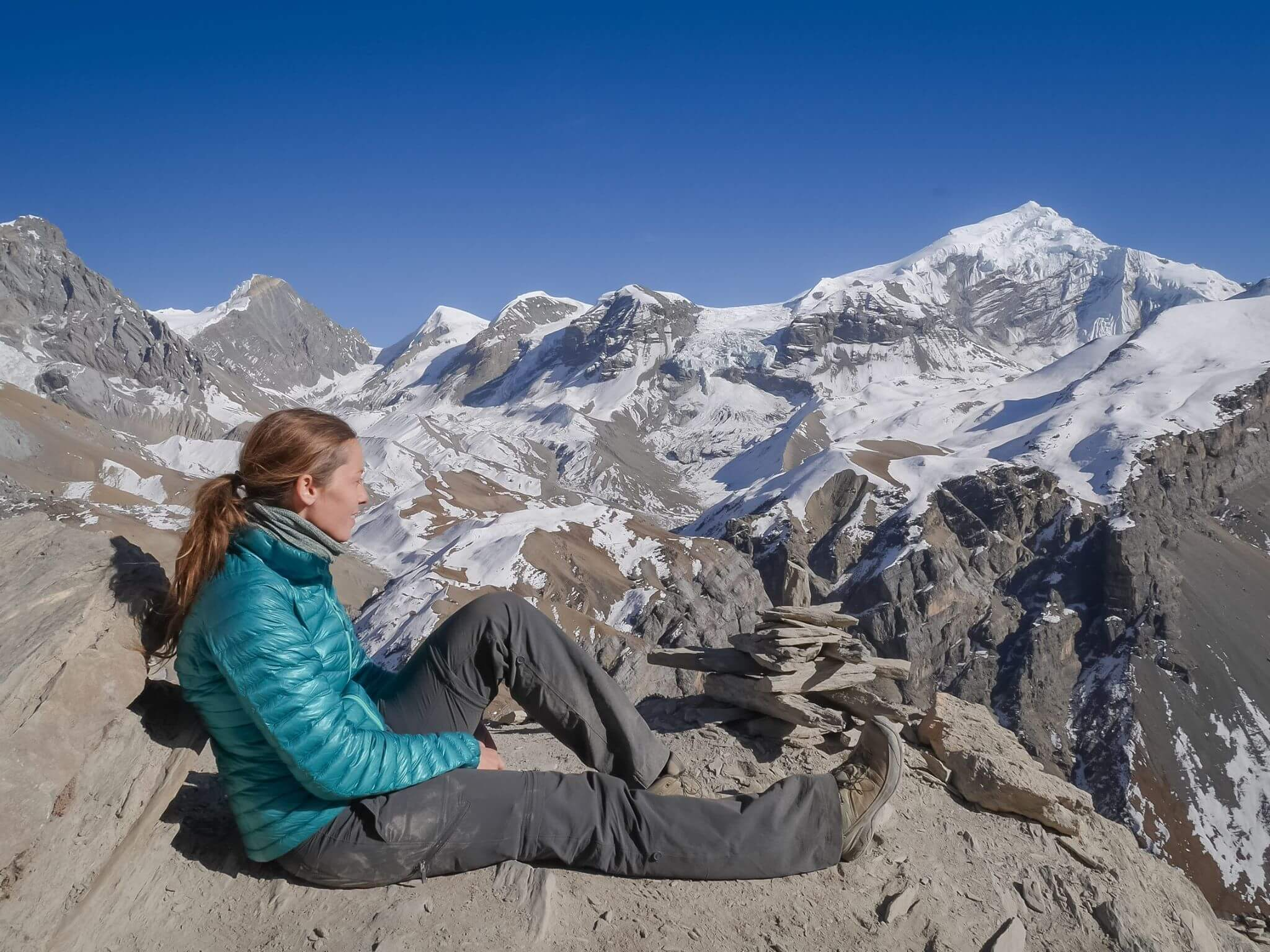 how to afford solo female travel