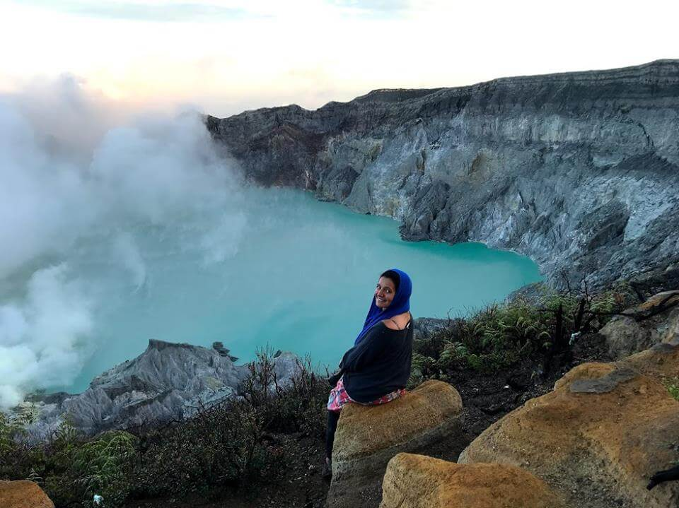 solo traveling in a relationship