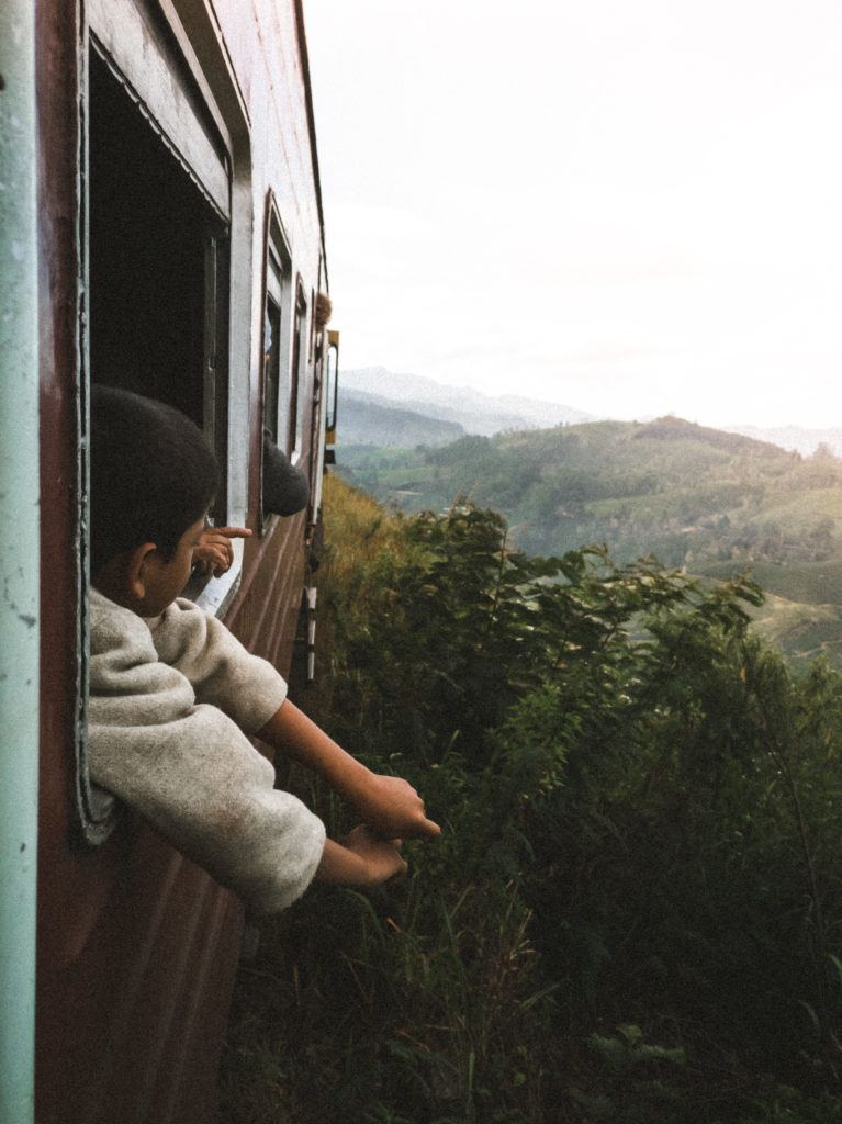 sri lanka train journey