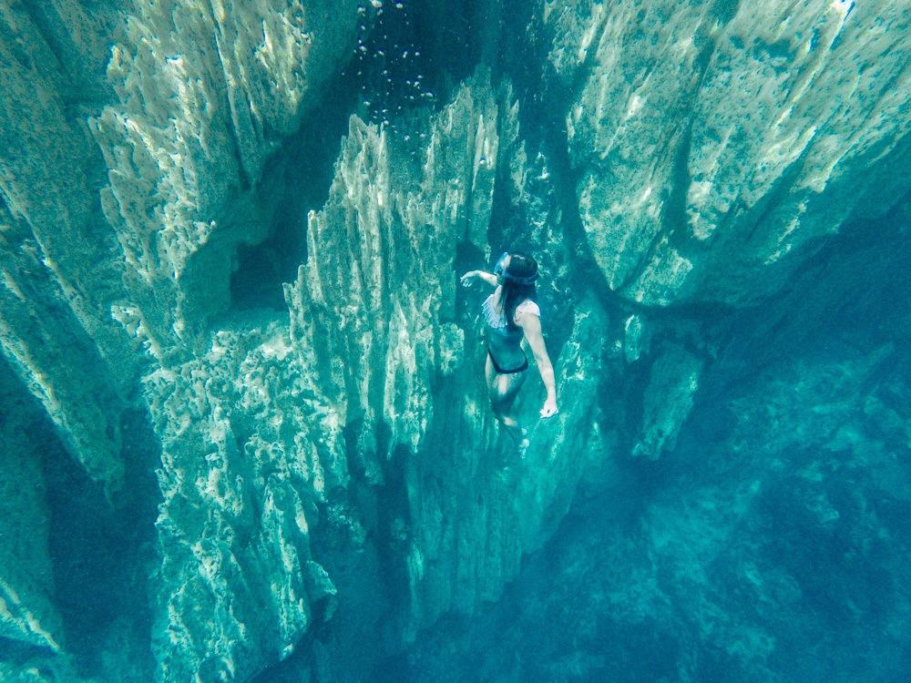 kayangan lake coron island hopping