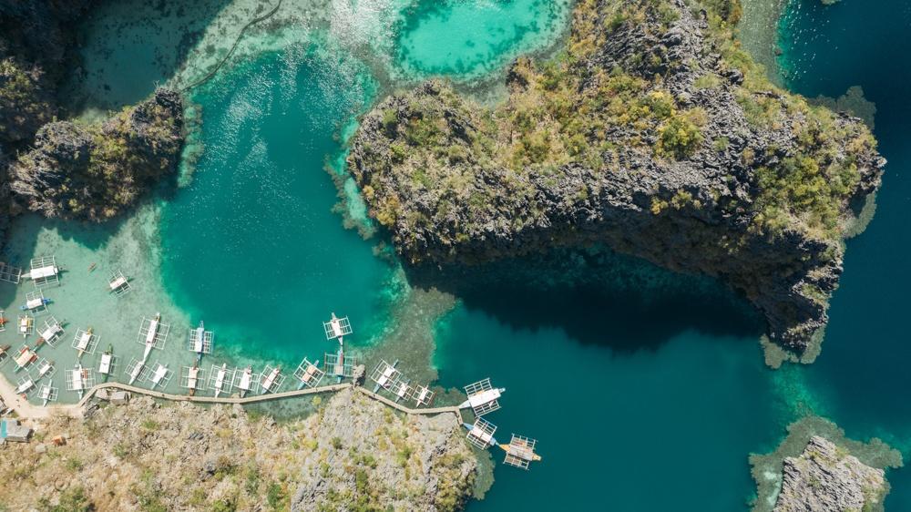 coron island hopping kayangan lake