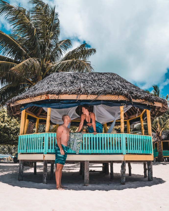 10 top things to do in Samoa - Tom and Zi in traditional Samoan Fales