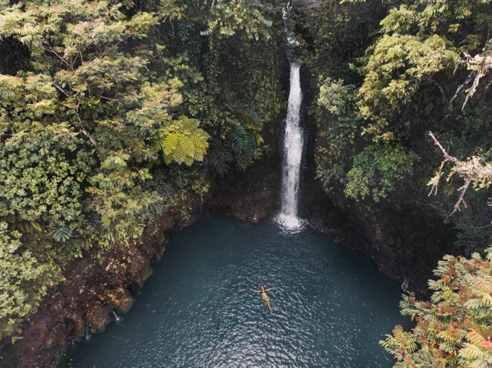 10 top things to do in Samoa - Zi floating under Afu Aua waterfall