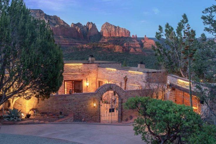 Home.fit BMTMSedonaABB14-735x490 The 7 Best Airbnbs in Sedona, Arizona