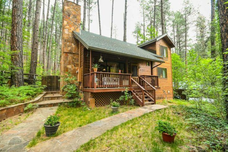 Home.fit BMTMSedonaABB7-735x490 The 7 Best Airbnbs in Sedona, Arizona